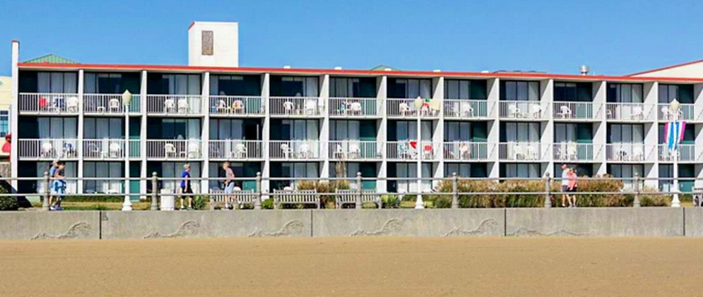 econolodge on the ocean exterior beachside view